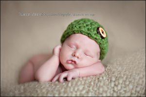 6 days new | Chicagoland Newborn Portraiture Artist