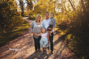 Family Ties – Sisterly Love – Palatine Family Photography
