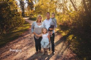 Family Ties – Sisterly Love – Palatine Family Photography